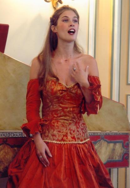 aurelie-loilier-robe-rouge